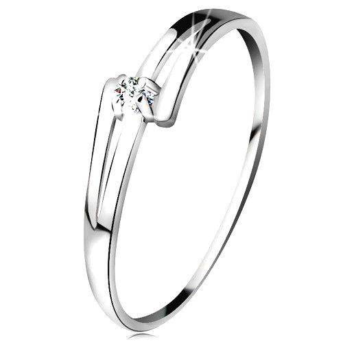 Briliantový prsteň v bielom 14K zlate - rozdelené lesklé ramená