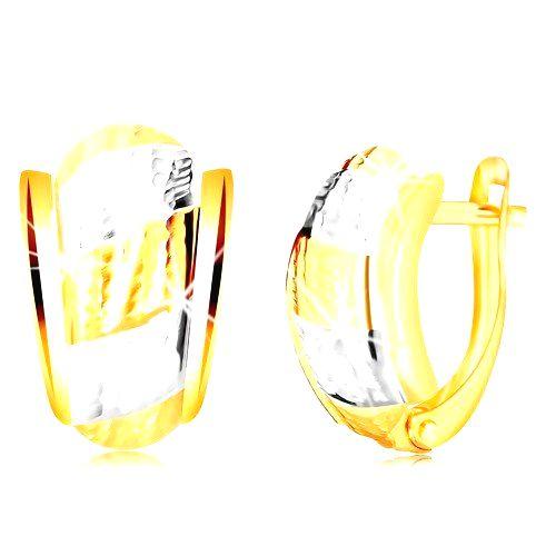 Náušnice zo 14K zlata - nesúmerný oblúk s pásmi a ozdobnými zárezmi