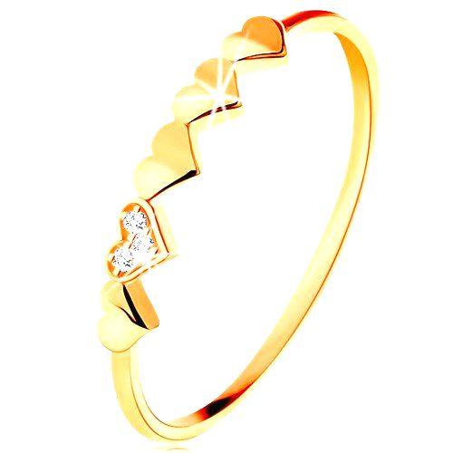 Prsteň v 14K žltom zlate - malé ligotavé srdiečka