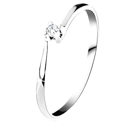 Prsteň z bieleho 14K zlata - trblietavý číry diamant v lesklom kotlíku - Veľkosť: 60 mm
