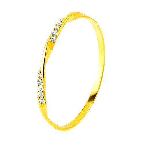 Zlatý 585 prsteň - hladká zvlnená línia zdobená ligotavými zirkónikmi v čírom odtieni - Veľkosť: 65 mm