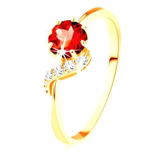Zlatý prsteň 585 - okrúhly granát červenej farby