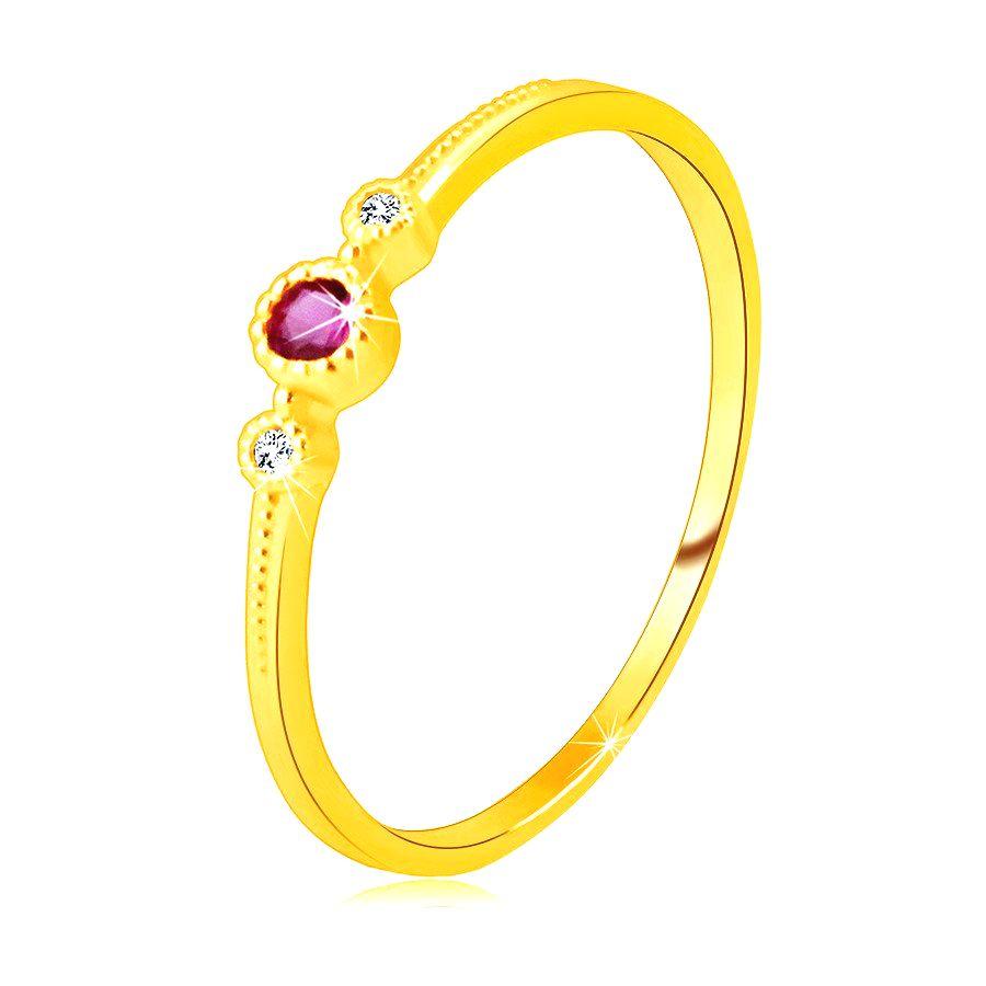 Prsteň zo žltého 14K zlata - červený rubín v objímke