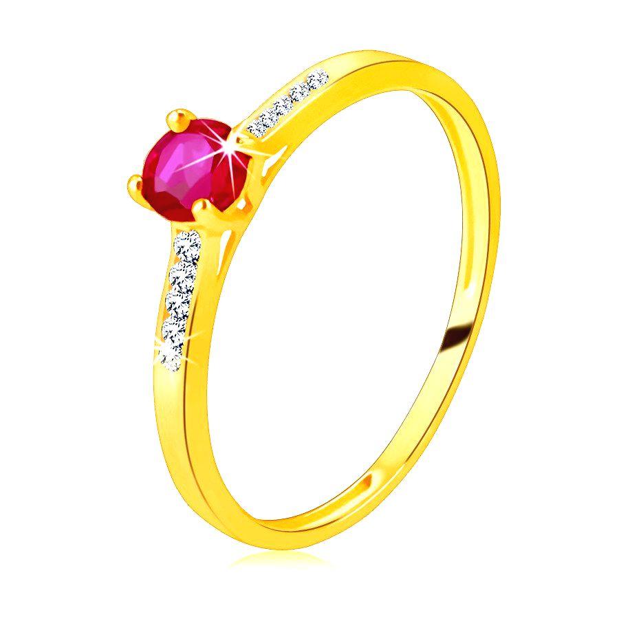 Prsteň zo žltého 14K zlata - žiarivý okrúhly rubín v kotlíku