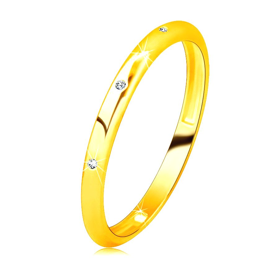 Zlatá obrúčka zo 14K zlata - tri zirkóniky čírej farby