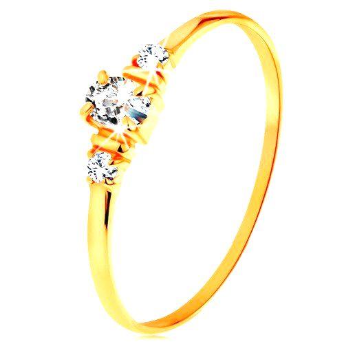 Zlatý prsteň 585 - číry oválny zirkón a dva okrúhle zirkóniky na bokoch - Veľkosť: 62 mm